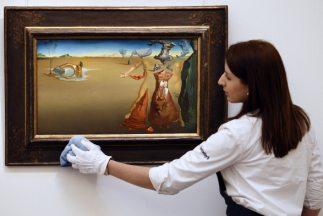 'Oasis' es una de las obras del pintor español, Salvador Dalí.