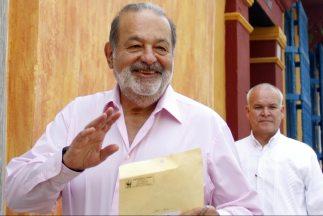 """La operadora del magnate mexicano """"continúa comprometida con su intenció..."""