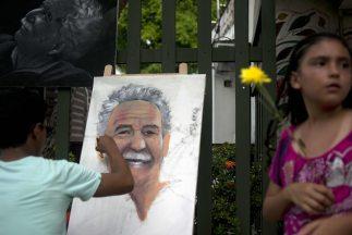 Mientras tanto en Aracataca vecinos y turistas rinden sus respetos a Gar...