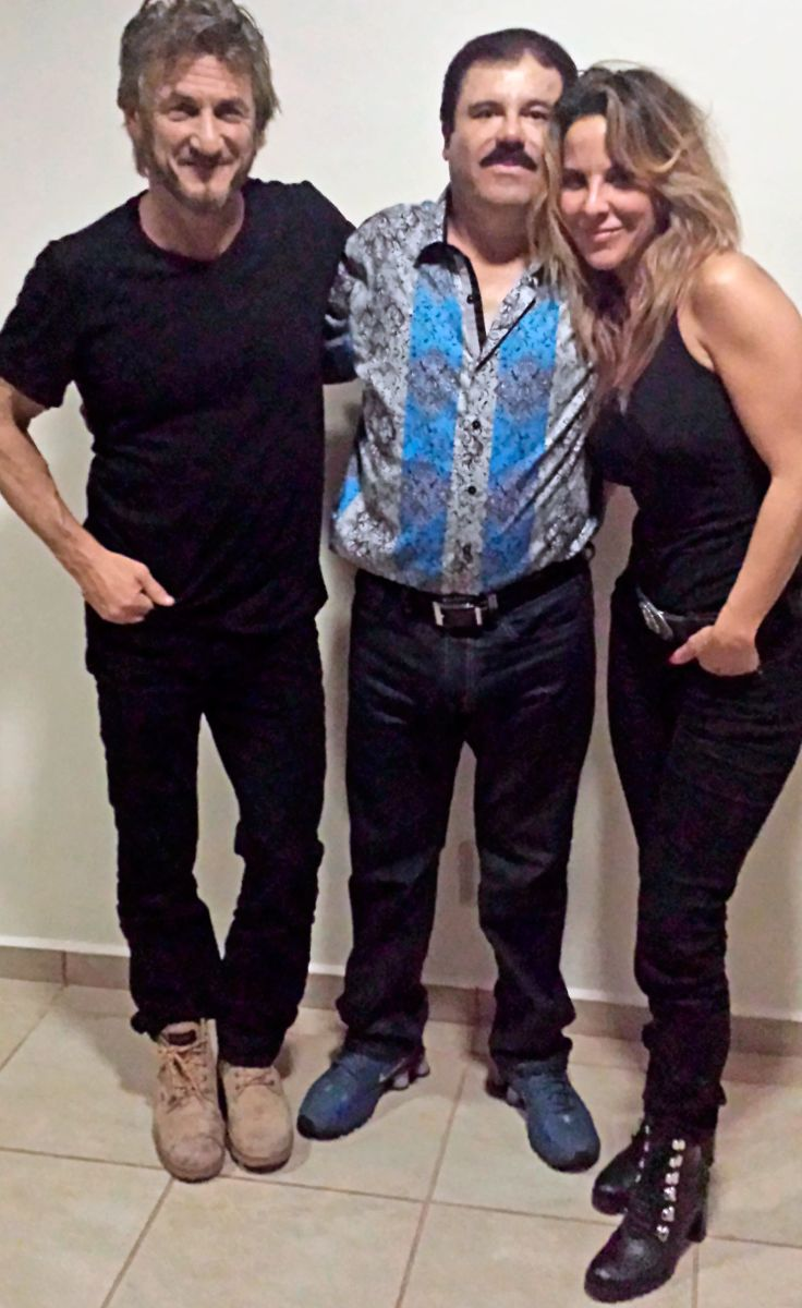 """Esta nueva foto de la actriz con """"El Chapo"""" y Penn aparece en el reportaje."""