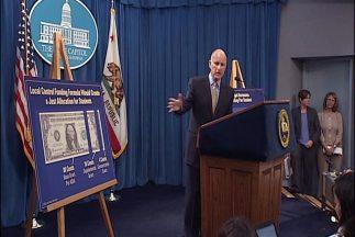 El gobernador Jerry Brown, anunció su plan de presupuesto, en el cual se...