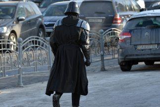 Un hombre en Ucrania se prepara para el 'fin del mundo'.
