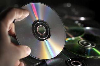 El desembarco del disco compacto en un mercado dominado por los LP's y c...