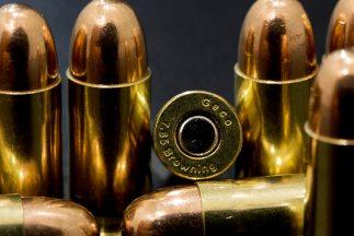 Autoridades encontraron 45 cartuchos para AK-47 en la parte delantera y...