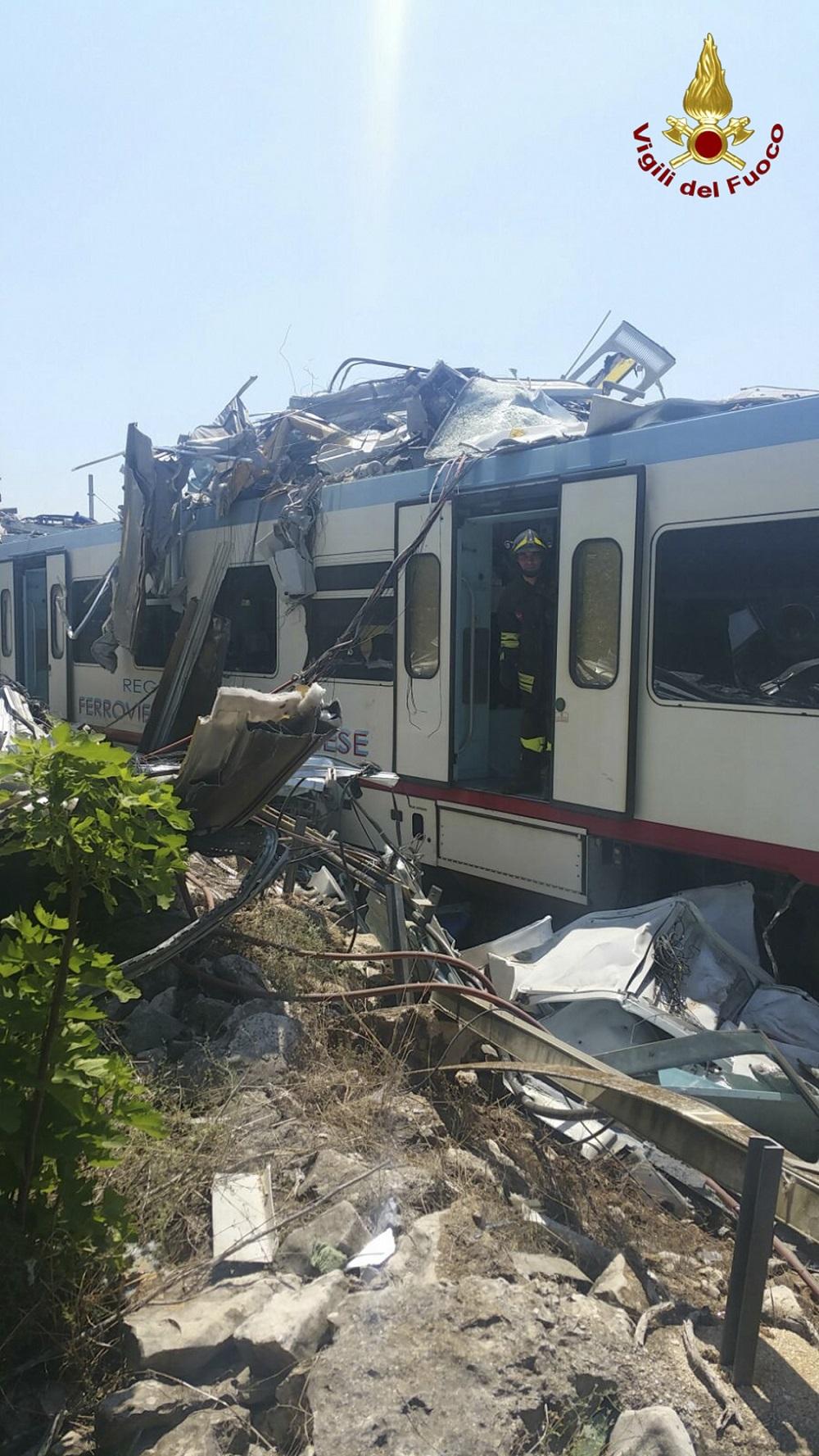 Imagen de uno de los vagones tras la colisión.