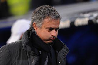 Mourinho fue denunciado por golpear a un aficionado en un centor comercial.