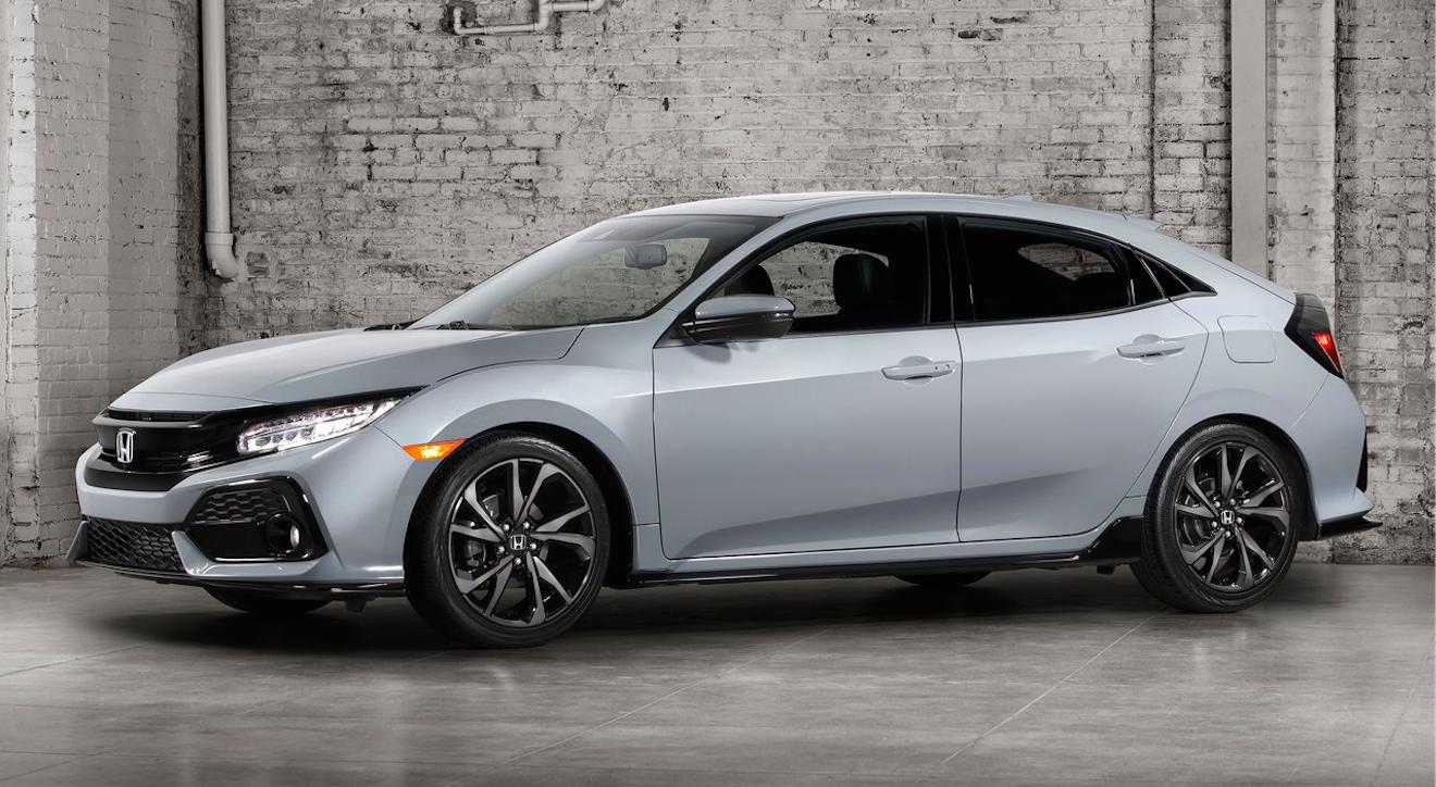 El Honda Civic Hatchback 2017 es ideal para los amantes de los cambios manuales y de la velocidad