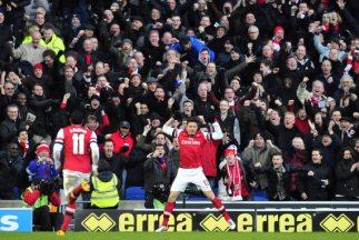 Olivier Giroud celebra su segundo gol para el triunfo del Arsenal.