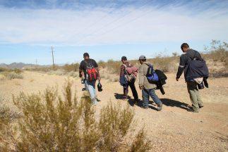 Los inmigrantes pueden enfrentar duras condiciones ambientales y tempera...