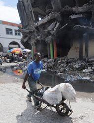 Ecuador envía a nuevo contingente de soldados para reconstruir Haití 3b7...