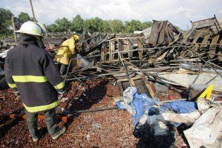 La explosión de tres talleres de fabricación de cohetes en Tultepec, Est...