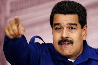 Maduro llamó a millones de hombres y mujeres a salir a la calle a partic...