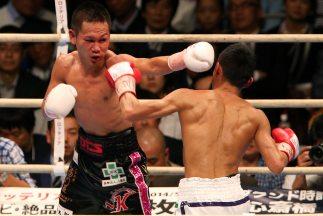 Takayama (izquierda) retuvo ante su compatriotaShin Ono (izquierda).