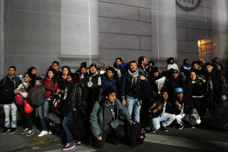 Jóvenes peregrinos llegan a Brasil.
