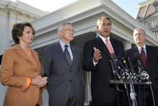 Nancy Pelosi (líder de la minoría D en la Cámara), Harry Reid (líder del...
