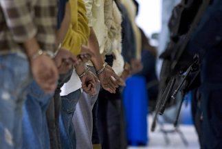 Los detenidos portaban armas de grueso calibre de uso exclusivo de los m...
