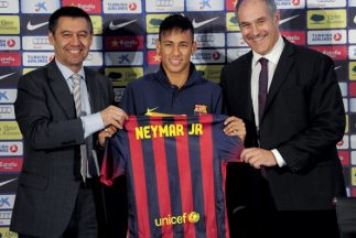 La llegada de Neymar al Barcelona sigue generando querellas legales.