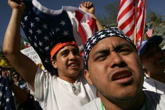 Los latinos siguen creciendo en Estados Unidos y ahora representan la ma...