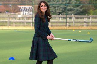 Middleton había conservado las apariencias y se la había visto jugando a...