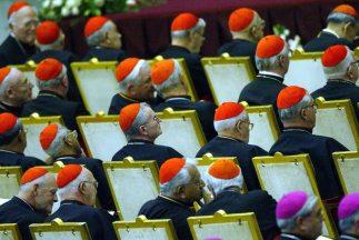 Un total de 117 cardenales de los cinco Continentes están facultados par...