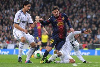 En el video de TV3 Messi es 'cazado' por las faltas del Real Madrid.