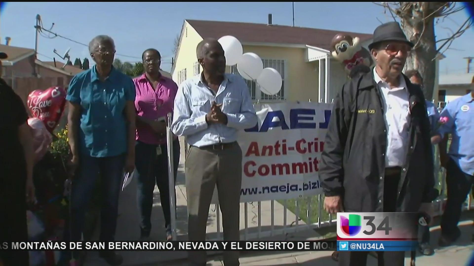 Residentes de Compton exigen un alto a la violencia por asesinato de menor