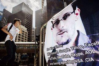 El ex analista de la CIA y de la Agencia Nacional de Seguridad (NSA) de...