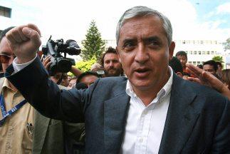 El candidato presidencial de la oposición, general retirado Otto Pérez M...