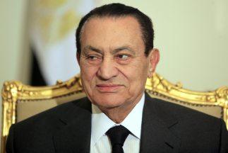 El ex presidente egipcio Hosni Mubarak continúa en estado grave.