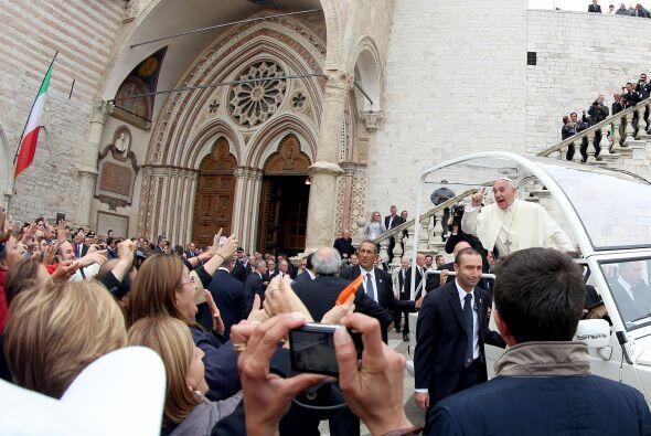 El papa jesuita aprovechó su visita a la ciudad del santo italiano que h...
