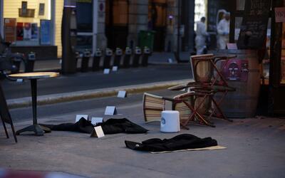 Aspecto del café Voltaire al día siguiente del ataque.