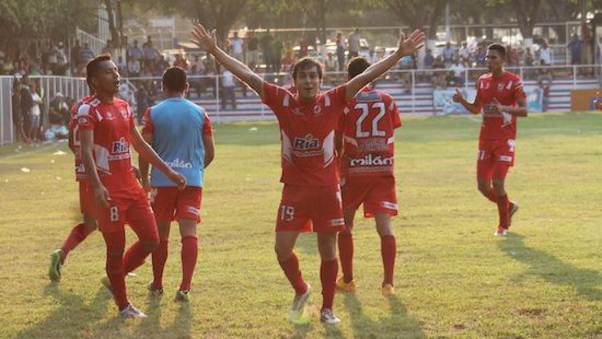 Juventud Independiente es líder y UES lucha por seguir en primera división
