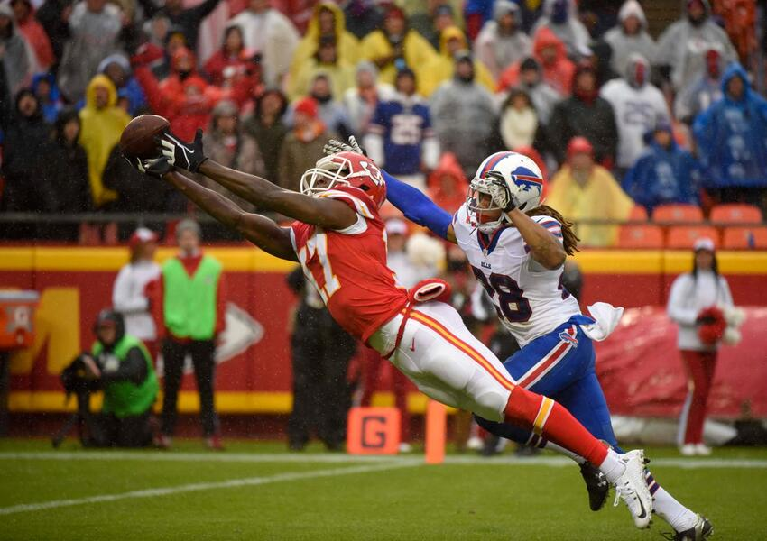 Los Kansas City Chiefs vencieron 30 - 22 a los Buffalo Bills para ligar...