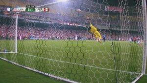 Impresionante atajada de Pedro Gallese le quita el gol a EEUU