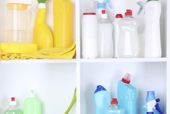 Es probable que estas piezas puedan limpiarse usando jabón y agua tibia...