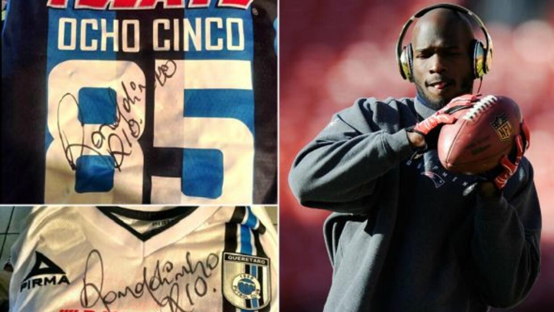Gallos Blancos y Ronaldinho le regalaron dos playera sel ex jugador de l...