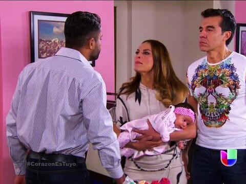 ¡Qué pena Jenni! El padre de Aura apareció y arruin&...