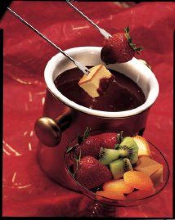 Fondue de chocolate: Un clásico de la gastronomía francesa: la fondue, y...