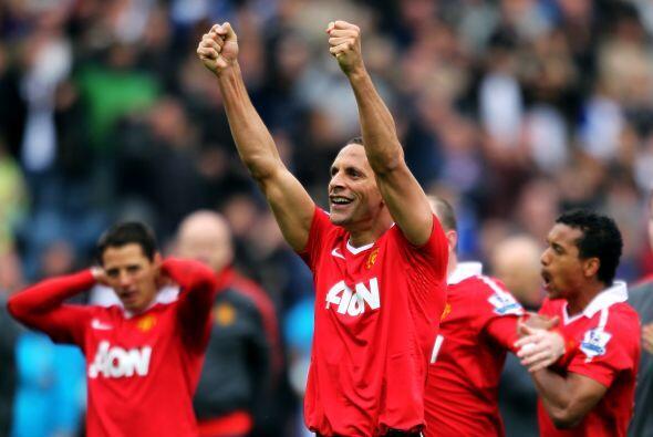 Rio Ferdinand y su alegría con el nuevo campeonato.