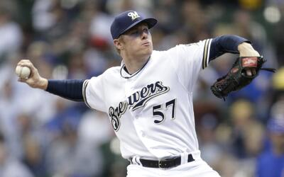 Anderson y Brewers superan a los Cubs