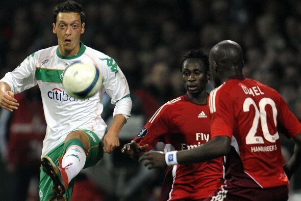 A su vez, seguía su meteórico ascenso con el Werder Bremen.