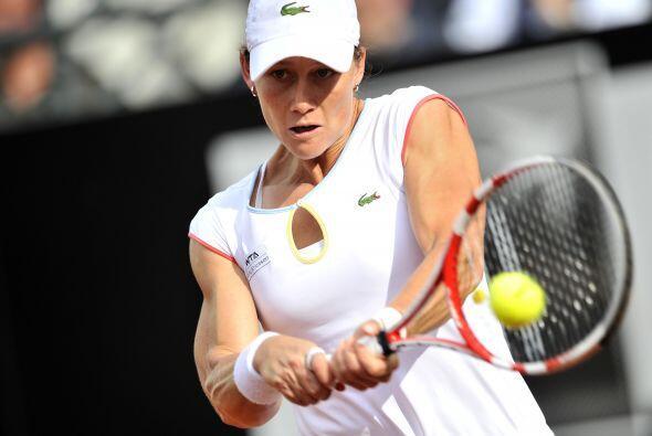 Stosur no pudo ante la potente ofensiva de Sharapova.
