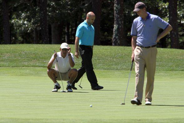 No cabe duda que Obama también la piensa para salir victorioso en el juego.