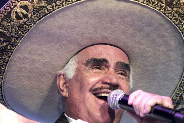 Vicente Fernández, el Charro de Huentitán, está cumpliendo 75 años y par...
