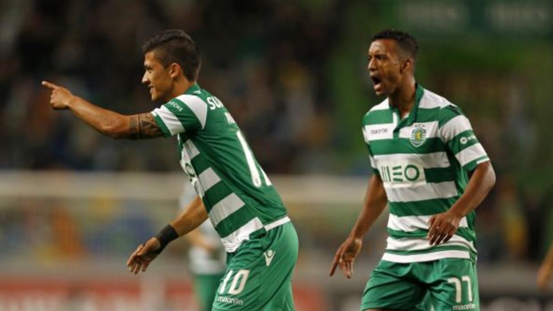 Nani fue la figura del equipo portugués que está cerca de clasificar.