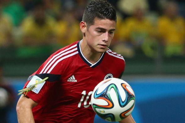 13. JAMES RODRÍGUEZ. El guapo defensa colombiano vio su valor elevarse e...