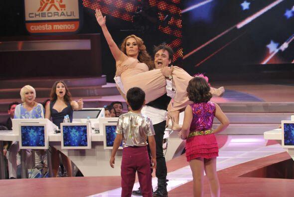 Galilea también le entró al baile y Pierra Angelo como tod...