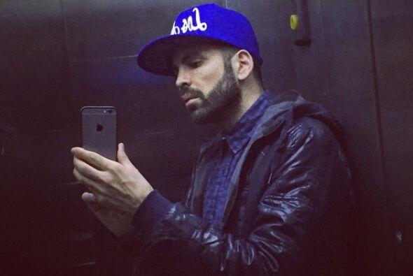 Nuestro querido Jomari Goyso ama las 'selfies'. Nos preguntamos ¿...
