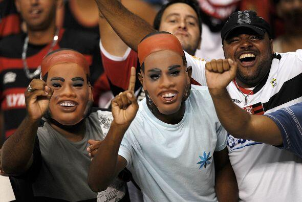 Río adelantó el carnaval pero por otra razón, el debut de Ronaldinho, fu...