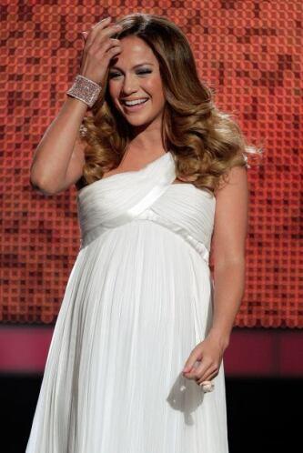 Fruto del matrimonio con el cantante Marc Anthony, Lopez dio a luz a sus...